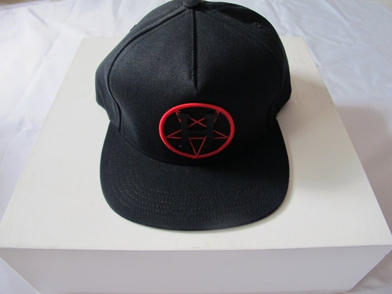"Image of Huf x Black Scale - Metal H Pentagram Snapback  ""POKER"" COLLECTION"""