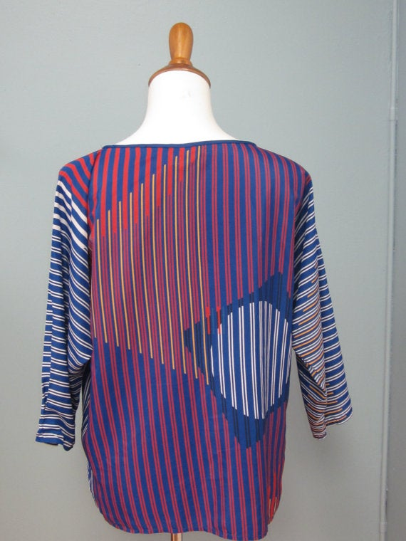 Image of Adorable 80's Graphic Print Blouse