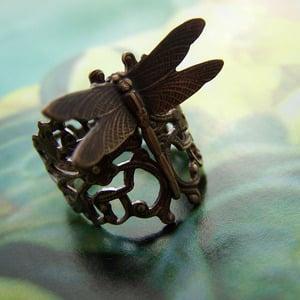 Image of Dragonfly Trellis Filigree Ring
