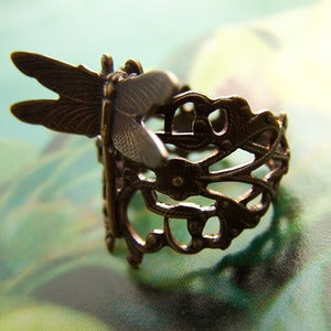 Image of Dragonfly Trellis Filigree Ring