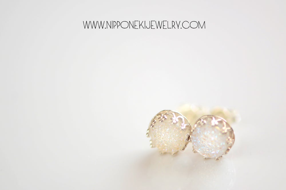 Image of IRIDESCENT WHITE DRUZY STUDS IN STERLING SILVER BEZEL , 6MM DRUZY CROWN BEZEL STUDS