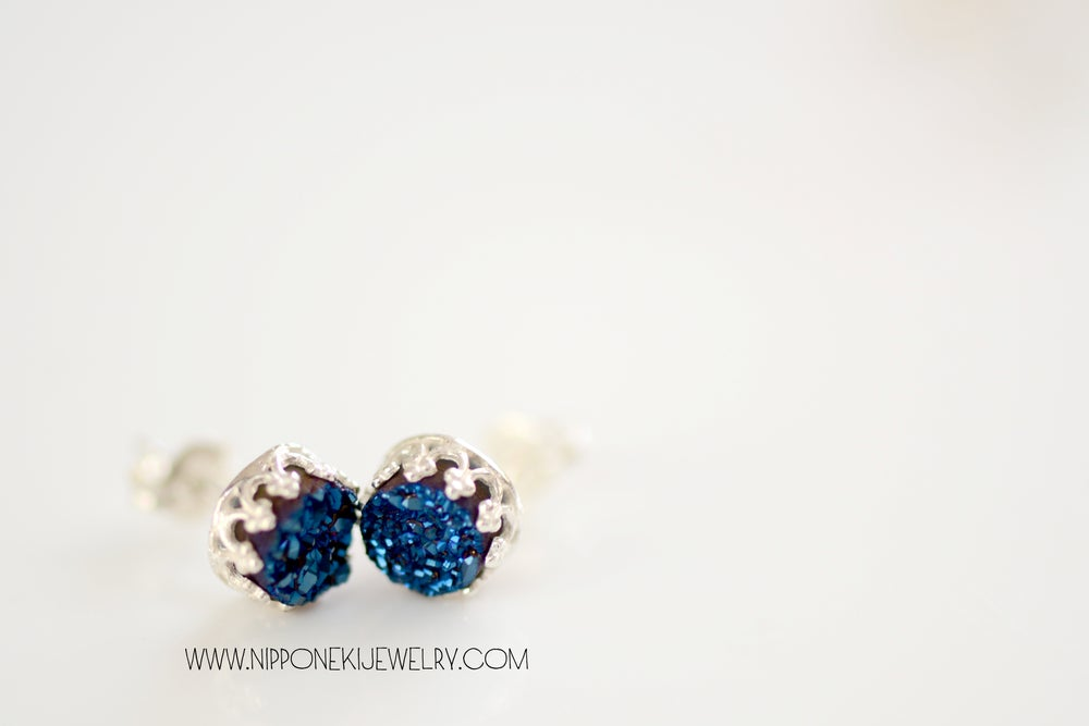 Image of ROYAL BLUE DRUZY STUDS IN STERLING SILVER , 6MM DRUZY CROWN BEZEL STUDS