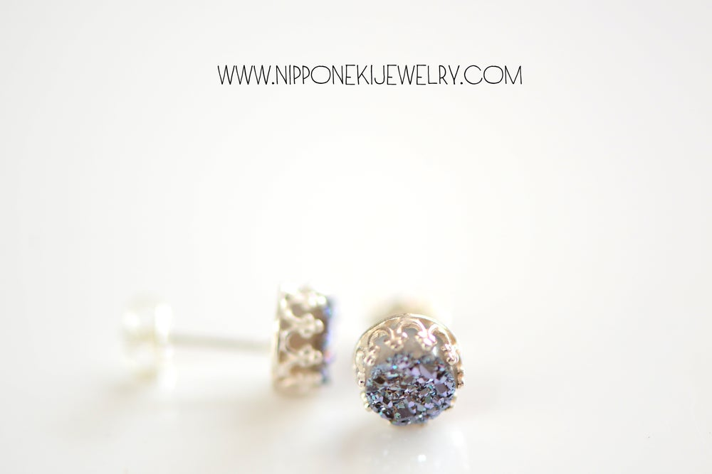 Image of GREY BLUE DRUZY STUDS IN STERLING SILVER , 6MM DRUZY CROWN BEZEL STUDS