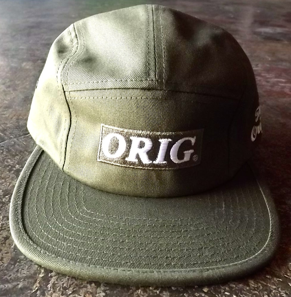 Image of ORIG BOX-LOGO 5 PANEL (OLIVE)