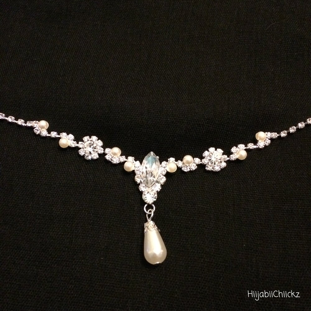Image of Crystal and Pearl Headpiece