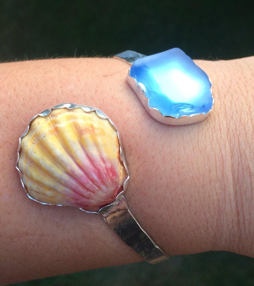 Image of Sunrise Shell & Hawaiian Sea Glass Cuff
