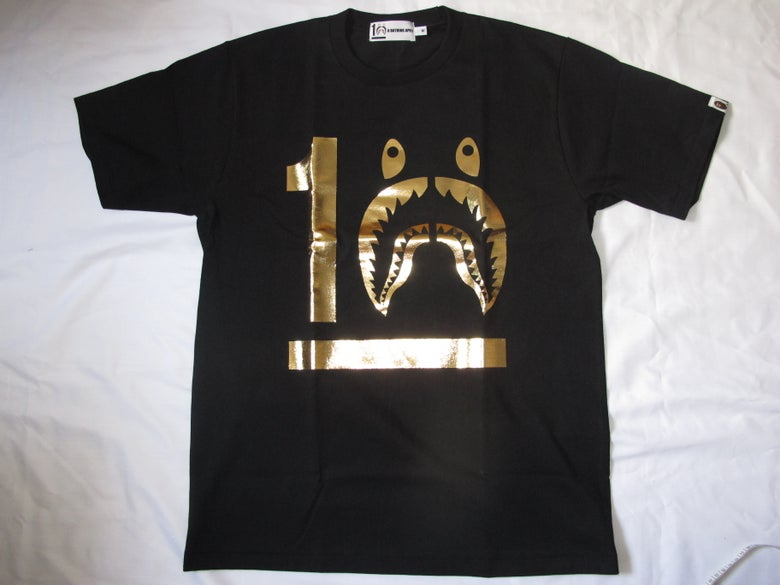 Image of (A Bathing Ape) Bape - 10 YEARS SHARK (Black/Gold)