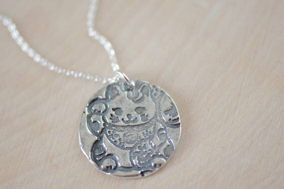 Image of Sterling Silver Japanese Lucky Cat Necklace - Silver Maneki Neko Lucky Cat Necklace