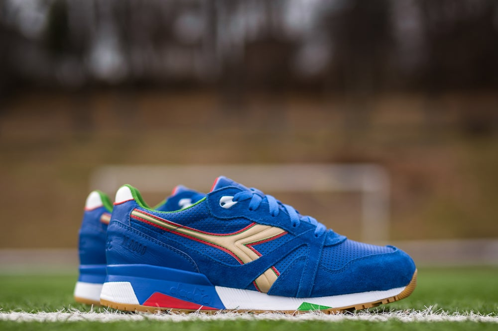"Image of DIADORA N9000 X PACKERS SHOES ""ITALY"" 501.161764 06"