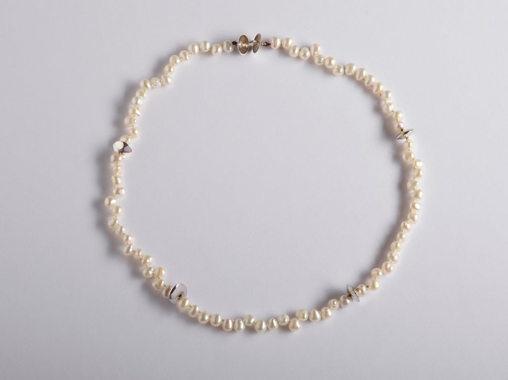 Image of necklace silver white pearls - parelketting met witte parels en zilver