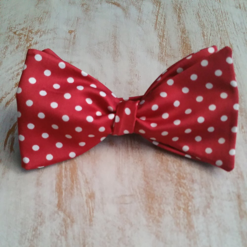 Image of DOTTED ME BOWTIE