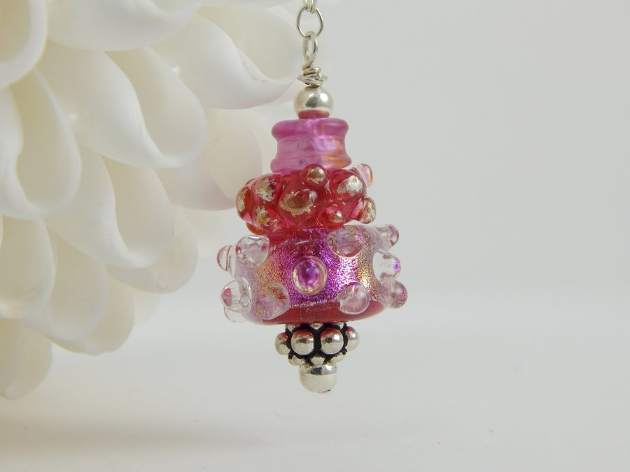 Image of Artisan Glass  • Pendant in Shades of Pink