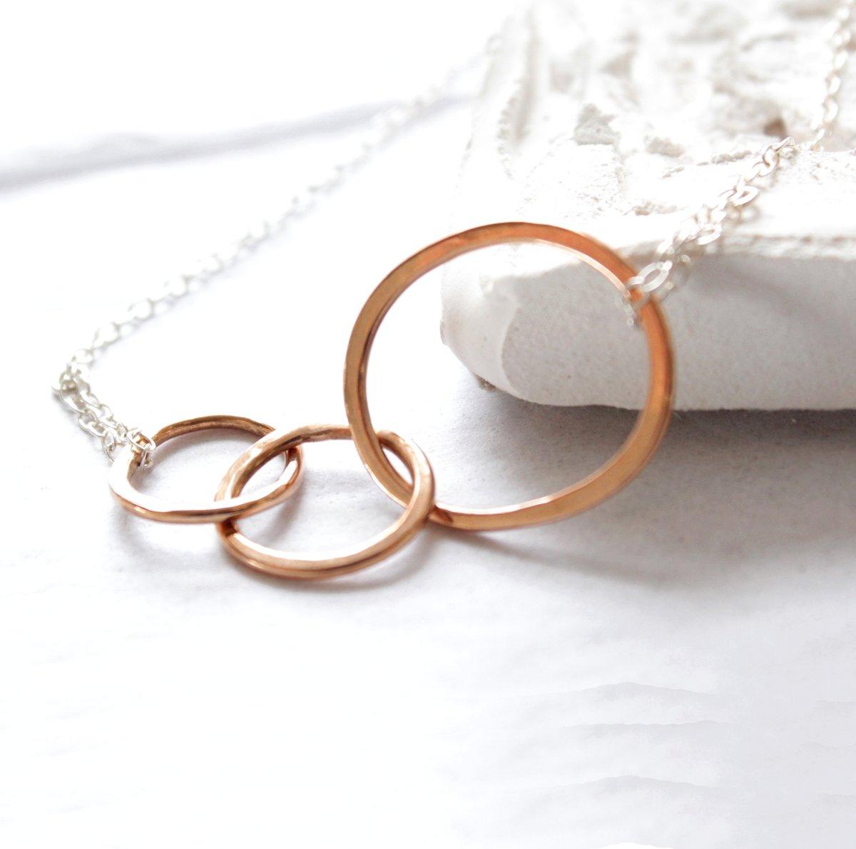 Image of Interlocking loops rose gold necklace
