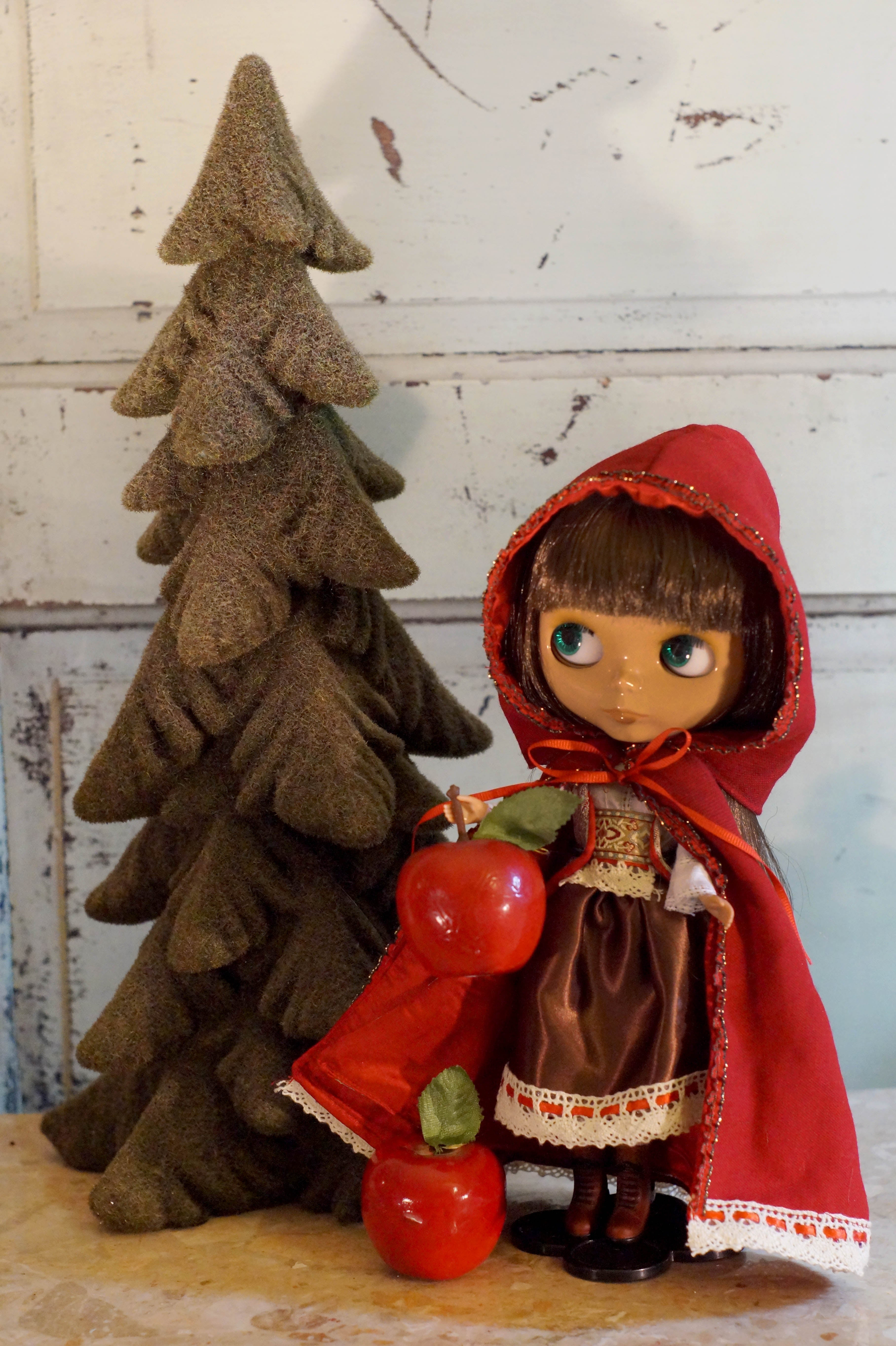 Blythe Fashion Litte Red Riding Hood : Date w/Blythe Auction