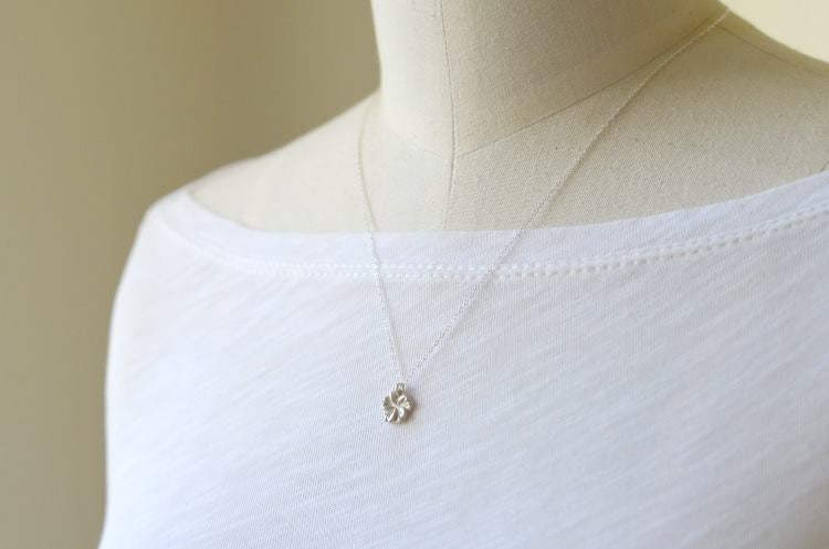 Image of Tiny hibiscus necklace silver