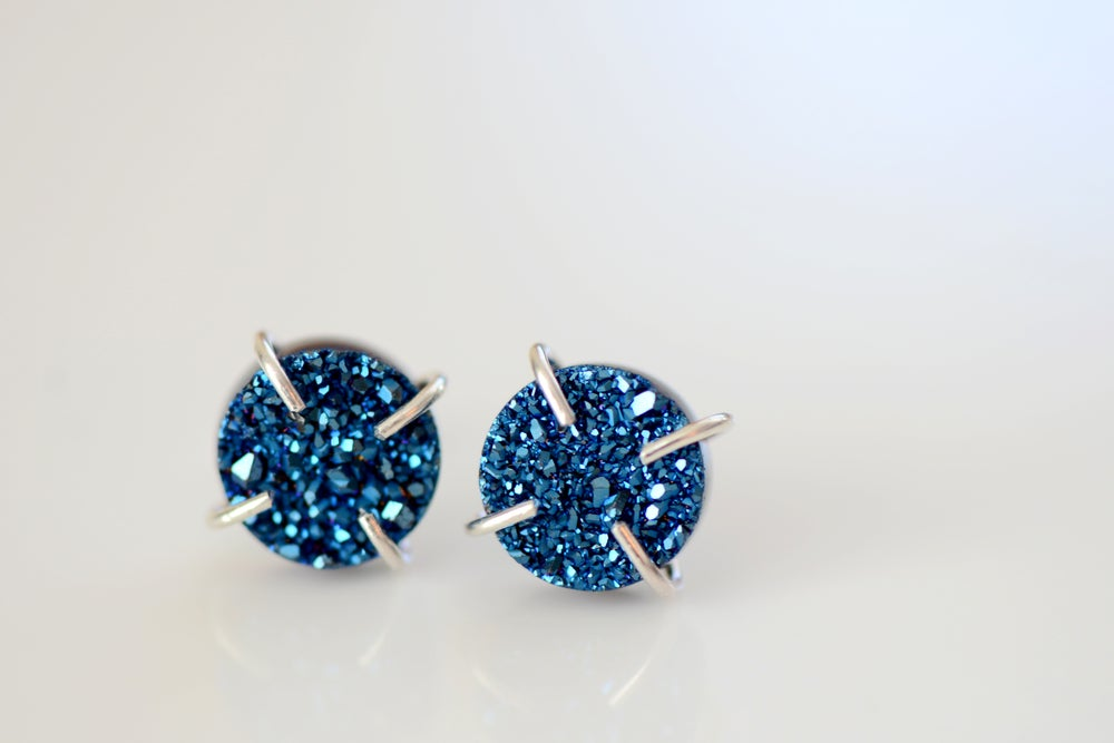 Image of SHIMMERING BLUE DRUZY EARRINGS IN STERLING SILVER - TITANIUM COATED DRUZY - CLAW DRUZY EARRINGS