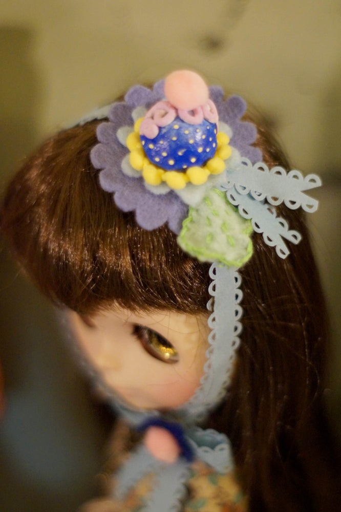 Image of Candy Hat Blue by Rhodora Jacob : Date w/ Blythe Auction