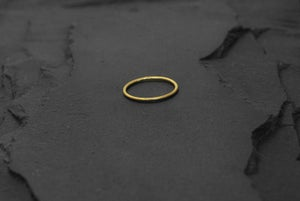 Image of Thin classic ring in brass