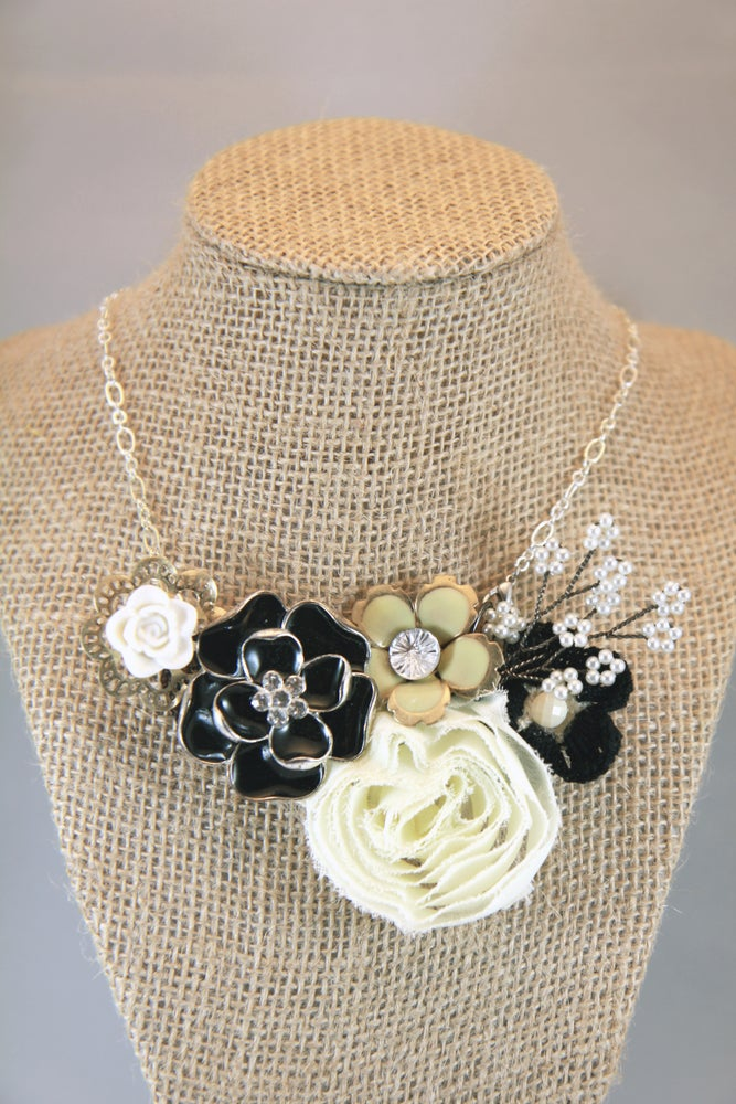 Image of Black and Silver Bloom Brooch/Necklace