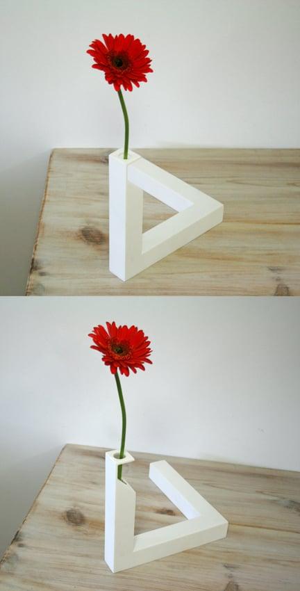 Image of 90º vase