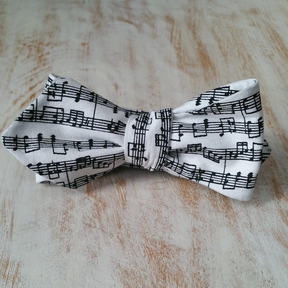 Image of STAPH NOTE BOW TIE