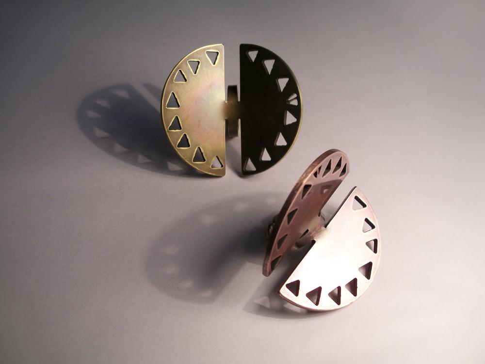Image of CIRCLE RING: BANKSIA
