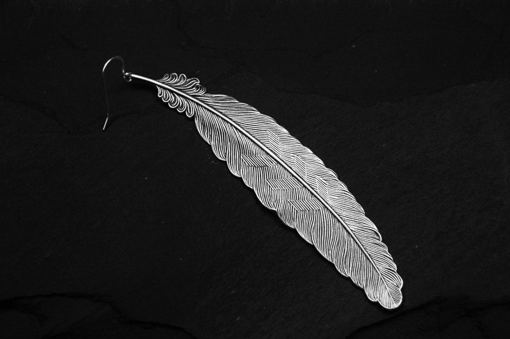 Image of Feather earring in silver plated brass