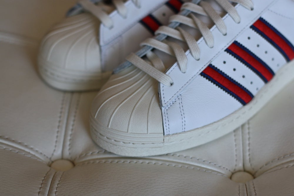 Image of ADIDAS SUPERSTAR 80S D-MOP B34076