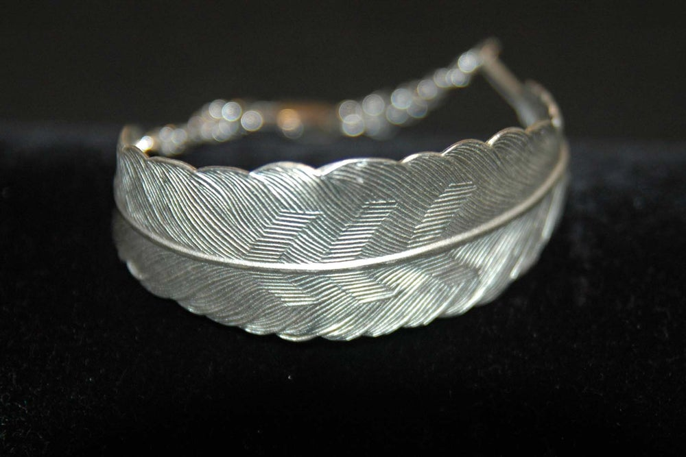 Image of Feather bracelet in silver plated brass