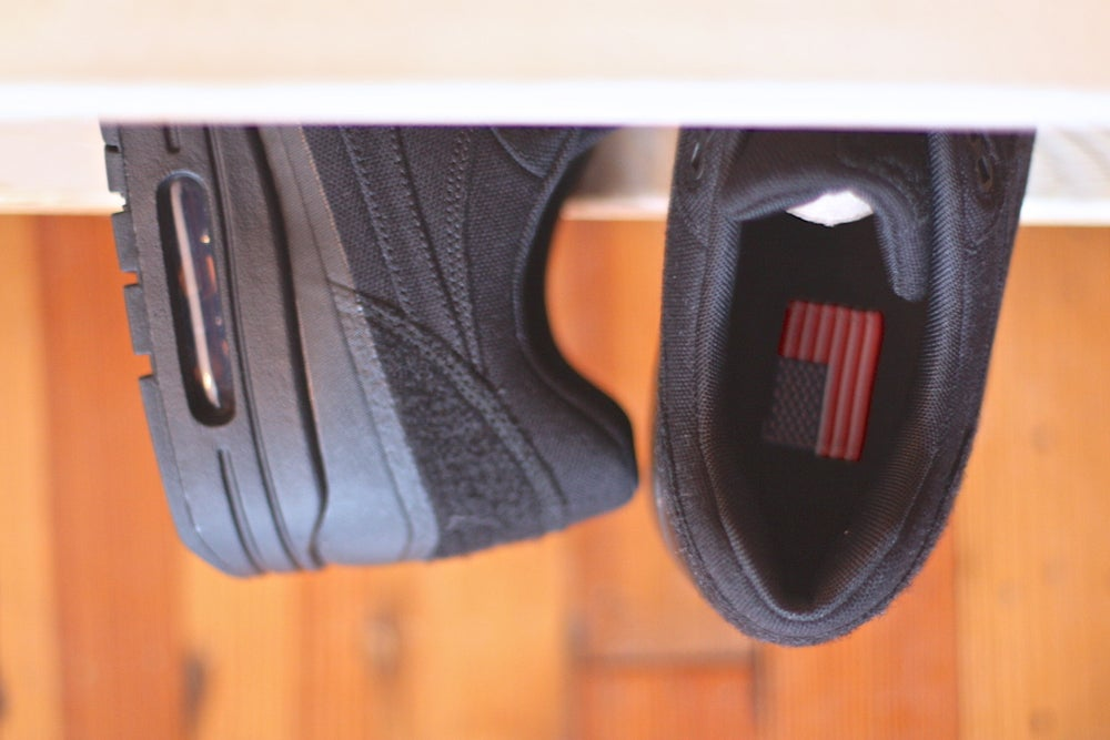 """Image of  NIKE AIR MAX 1 V SP TZ """"BLACK PATCH"""" 704901 001"""