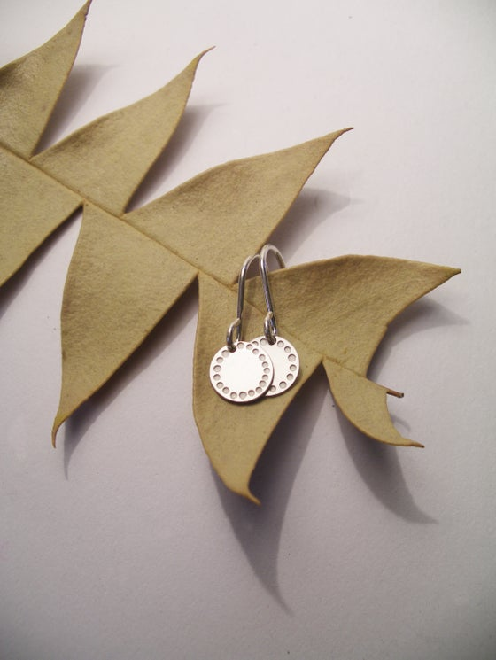 Image of DOT EARRING: BLOSSOM (STAINLESS STEEL)