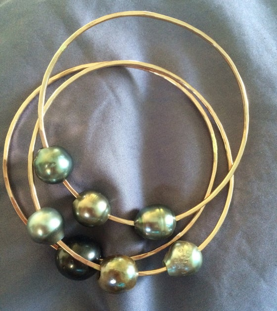 Image of Ekolu Momi Bracelet