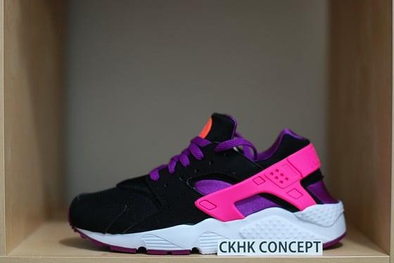 79e1092a5976 Image of Nike Huarache - Black   Pink