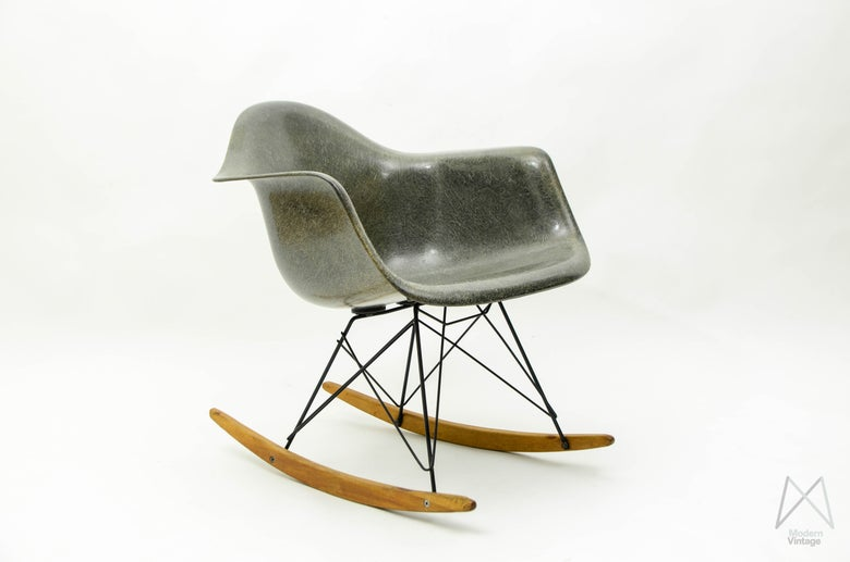 Image of Eames Zenith RAR rocking chair Elephant Grey Rope Edge Original Base