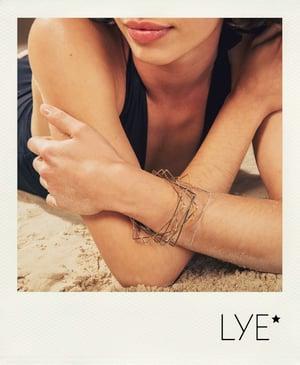 Image of 10 bracelets Carrés