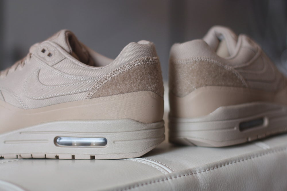 "Image of NIKE AIR MAX 1 V SP TZ ""SAND PATCH"" 704901 200"