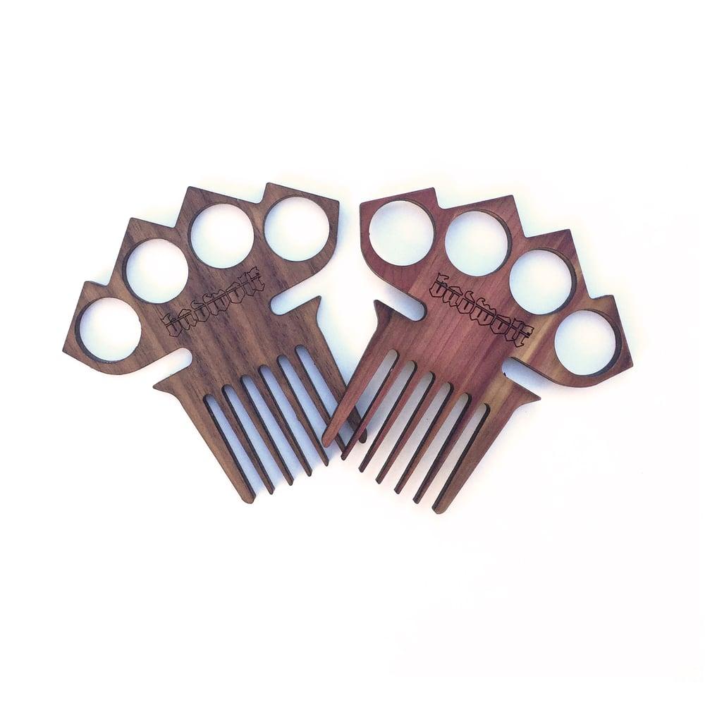 Image of BadWolf 'Diablo' Knuckle Duster Beard Comb