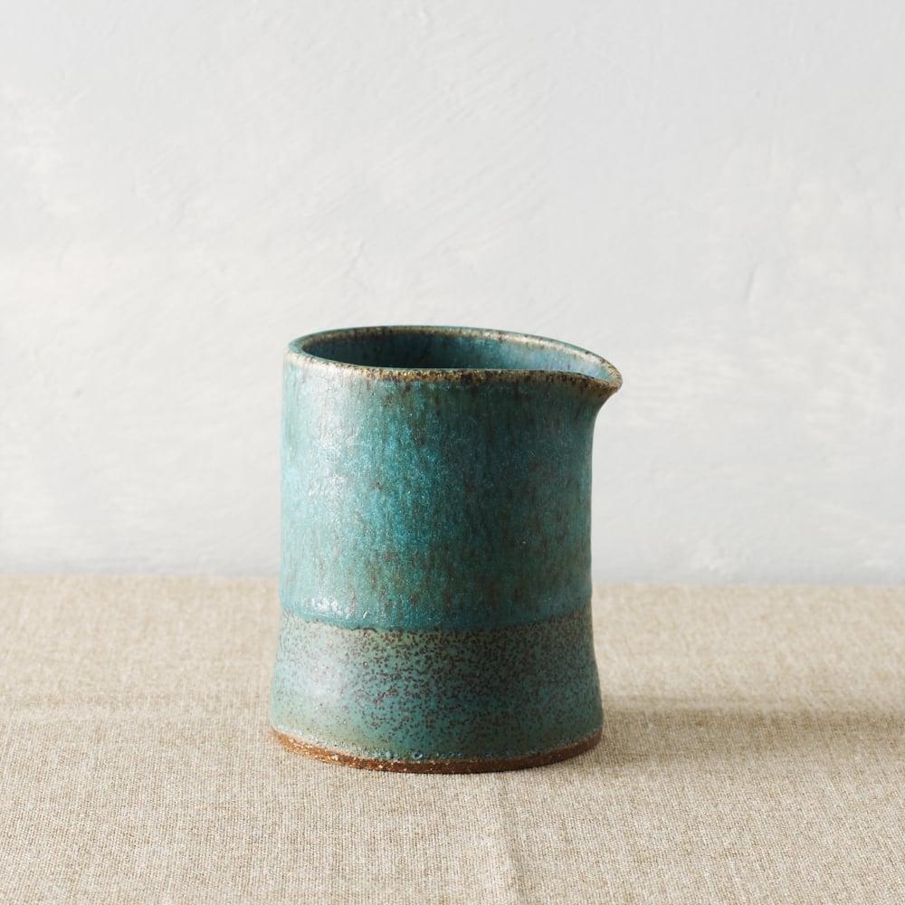 Image of speckled turq pourer