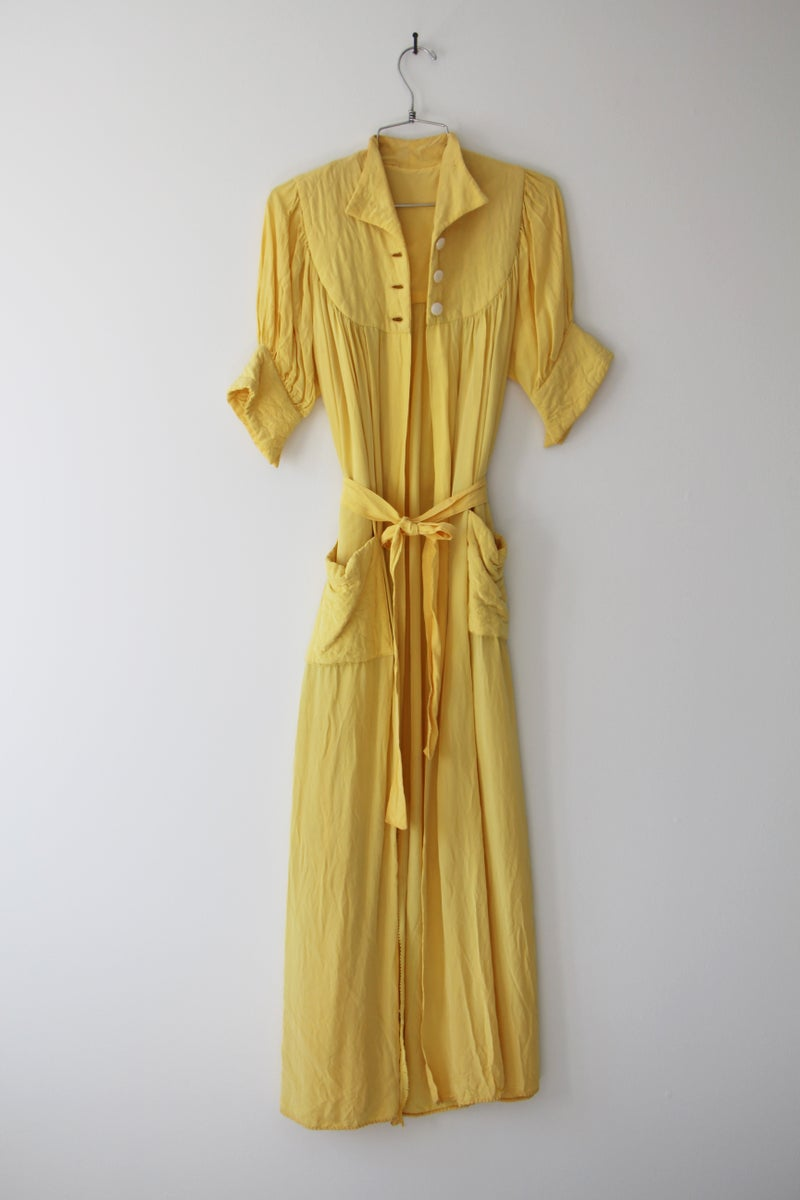 Yellow Crepe Vintage Dressing Gown | ONCE LOVED LAUNDRY