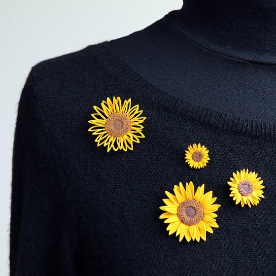 Image of 3D printed Brooch Van Gogh Sunflower