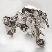 Image of Elephant cuff in Silver