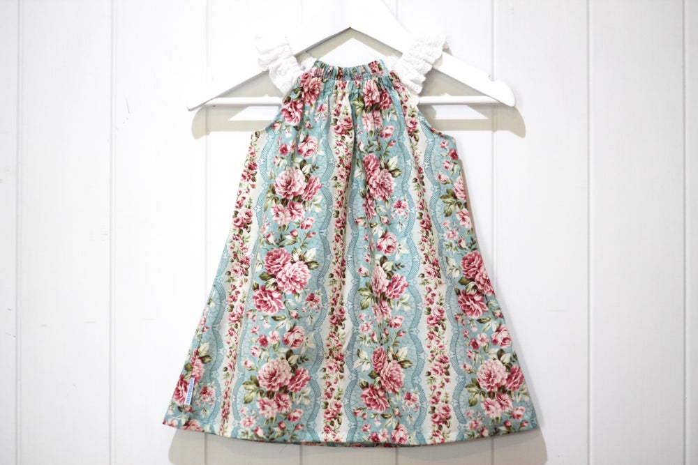 Image of Vintage Rose - Flutter Sleeve Dress
