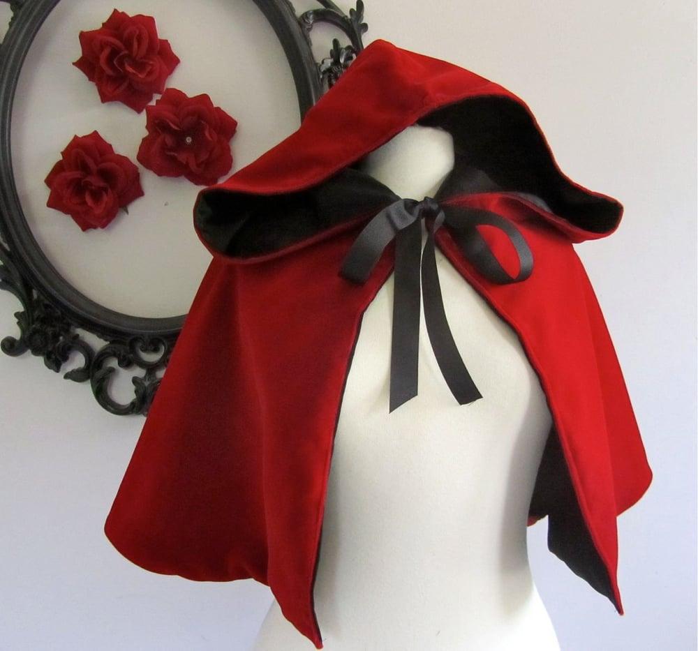 Image of Red Riding Hood Velvet capelet