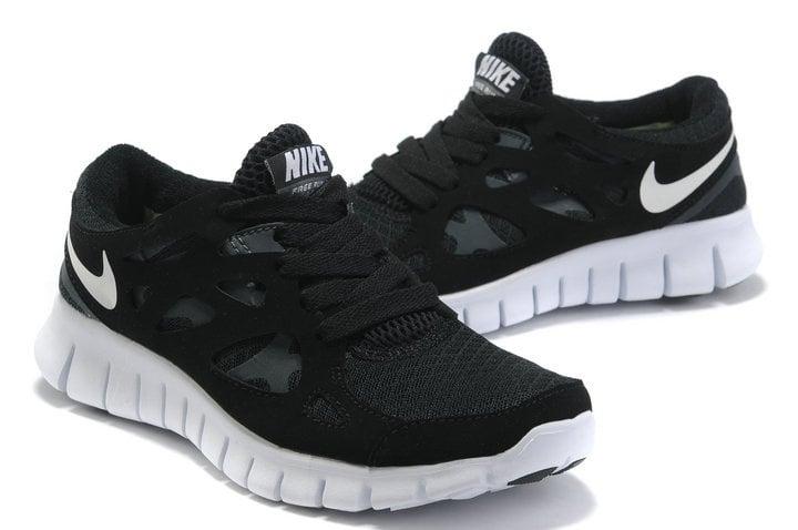 4b6263ca0670 Nike Free Run 2 Running Trainers - Black and White   Antiope Fitness