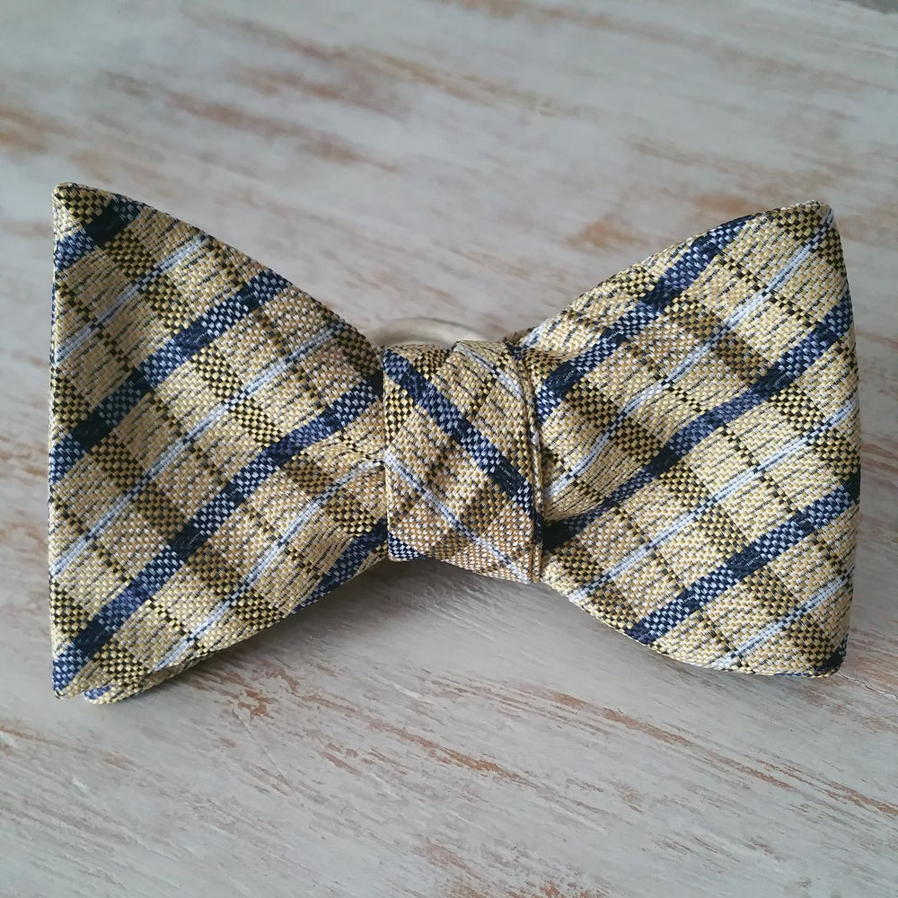 Image of TWISTED PLAID SELF BOWTIE