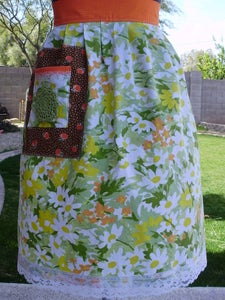 "Image of ""Lovely"" Spring Apron"