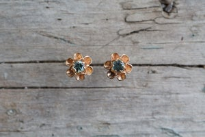Image of Flower bud sapphire earrings