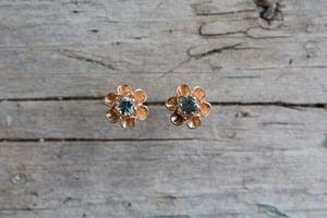 Image of Flower bud sapphire earrings