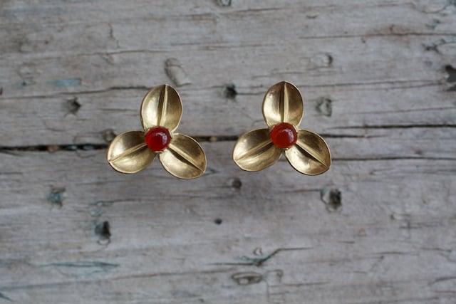 Image of Red bud 3 leaf earrings