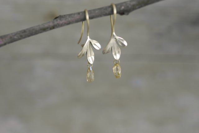 Image of Rue Earrings 3 Leaf diamond drop